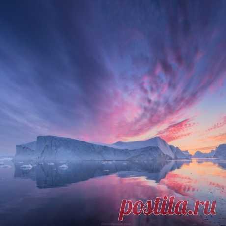 «Краски Севера». Гренландия. Автор фото — Даниил Коржонов: nat-geo.ru/photo/user/14636/ Добрых снов и хороших выходных.