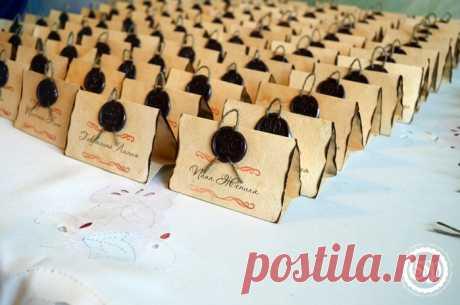 Карточки с именами гостей на свадебный стол своими руками
