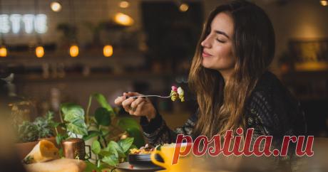 Полезный перекус: воюем с голодом правильно О важности регулярного питания сказано и написано очень много. А что делать, если время обеда еще не пришло, а есть уже хочется? Рассказываем, как утолить голод с пользой для здоровья.