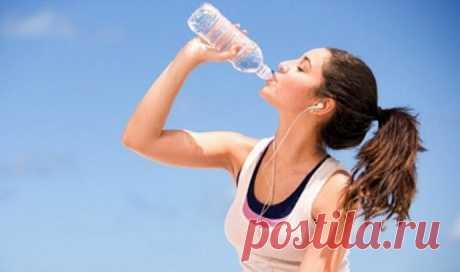 Как выпить воды больше: 7 простых правил — Мегаздоров