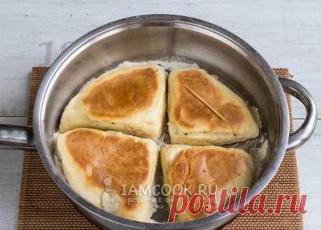 Фарлс -ирландская содовая лепешка, испеченная на сковороде Мука пшеничная - 225 г Разрыхлитель - 0.5 ч.л. Сода - 0.25 ч.л (по желанию) Кефир - 125 мл (по необходимости)