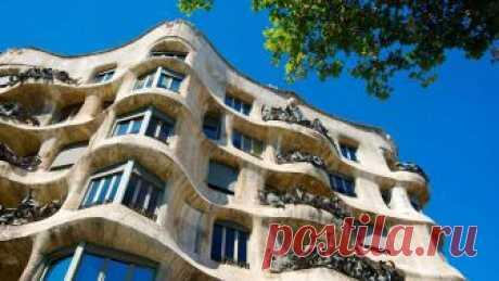 Где находится легендарный дом Каса-Мила в Испании? Какая история создания у дома? Кто закал построить это творение? Сколько стоит экскурсия для туристов?