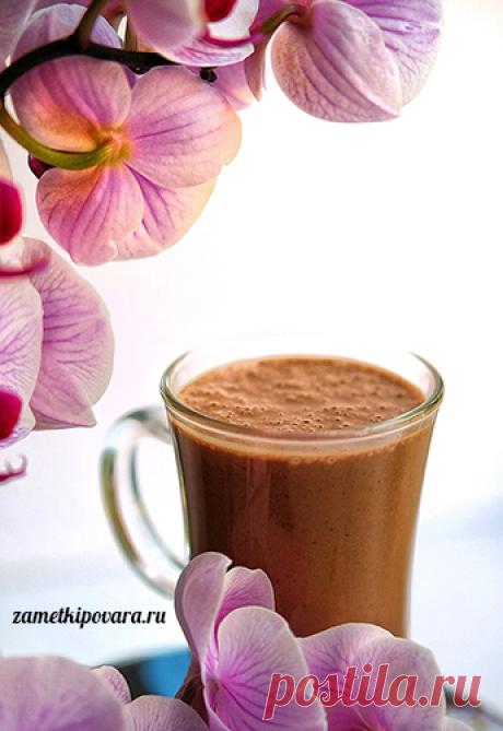 Шоколадный смузи с бананом, какао и арахисовой пастой | Простые кулинарные рецепты с фотографиями