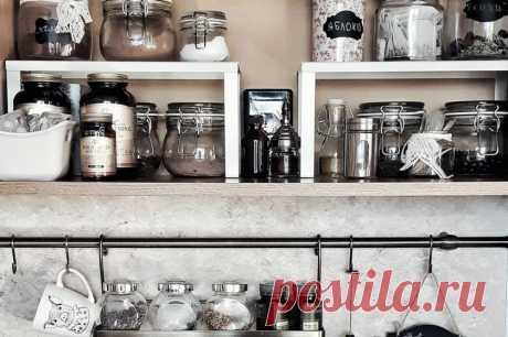 8 находок из Икеа до 1000 рублей, которые решат все ваши проблемы с хранением на кухне Хотите получить дополнительные места хранения буквально из ниоткуда? Смотрите наш материал и оптимизируйте кухонное пространоство за сущие копейки.