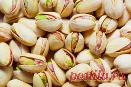 Фисташки - жиросжигательные и полезные для сердца орехи.