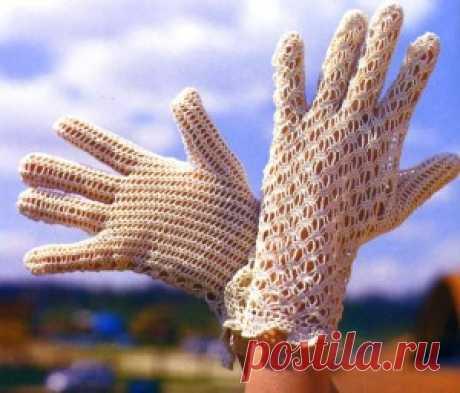 Ажурные перчатки, связанные крючком