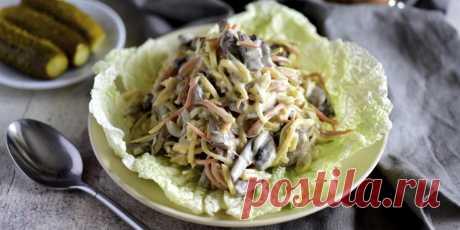 10 классных салатов с солёными огурцами - Лайфхакер