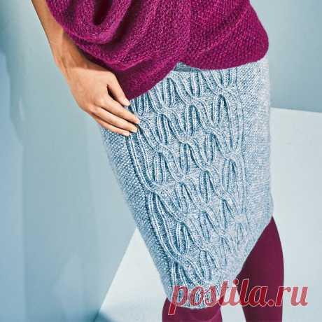 Голубая юбка с рельефным узором - схема вязания спицами. Вяжем Юбки на Verena.ru