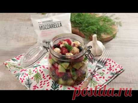 Салат с мини-моцареллой в банке - YouTube
