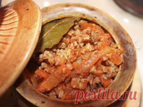 Ароматная гречка с мясом в горшочках - рецепт с фото