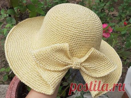 Вяжем детали одежды и аксессуары - Шляпки крючком - Шляпка с цельновязанным бантом и шляпка с цветком
