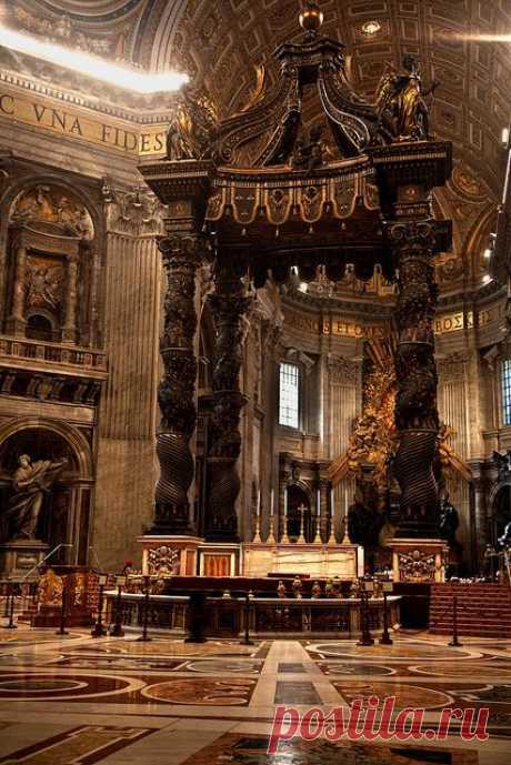 St. Peter's Baldachin inside St. Peter's Basilica by Bernini. Vatican City , Rome   |   Pinterest • Всемирный каталог идей