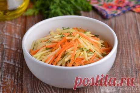 Салат с кольраби и морковью.  Готовим быстрый и очень вкусный салат с кольраби, морковью, репчатым луком, укропом и оливковым маслом. Для остроты лук предварительно маринуем в винном уксусе. Такой салатик отлично подойдет к любому второму блюду.