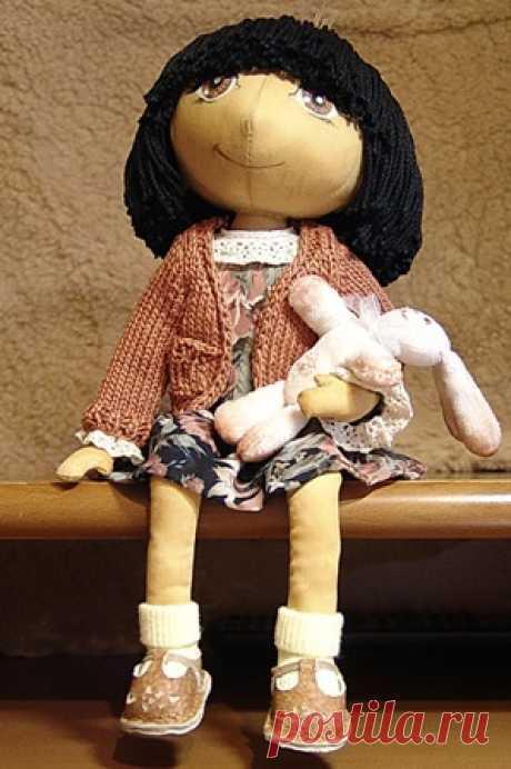 текстильная куколка-мк и мастер класс  Сегодня хочу показать вам мастер-класс одной рукодельницы из Краснодара Елены **** *****, ее работы очень яркие и глубокие, стоит только ...