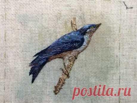 Вышивка лесной птички в объемной технике | Журнал Ярмарки Мастеров Вышивка лесной птички в объемной технике – бесплатный мастер-класс по теме: Вышивка гладью ✓Своими руками ✓Пошагово ✓С фото