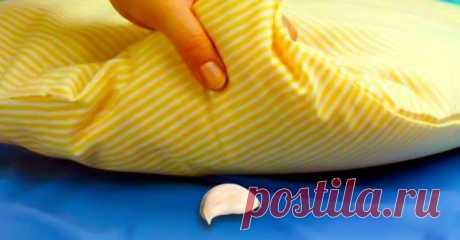 Эта женщина прятала зубчик чеснока под подушку своего сына каждую ночь… Причина проста!