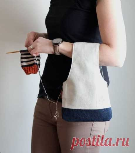 Современную вязанную сумку крючком можно носить куда угодно: на пляж или рынок, в магазин за продуктами, на прогулку по городу или пикник, в университет, театр или кино.