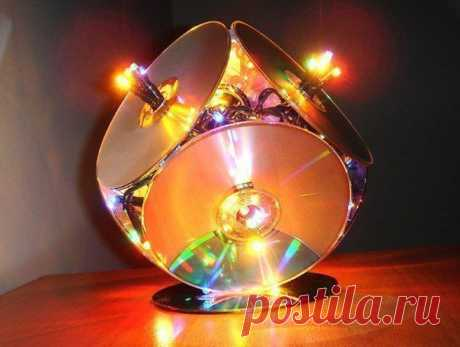 Старые диски+клей+гирлянда=креативный светильник