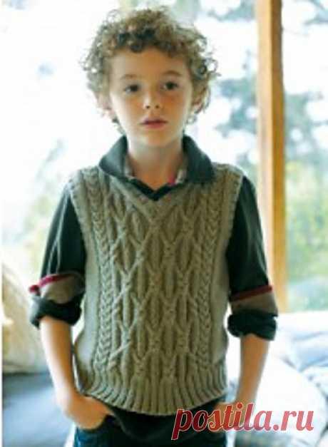 Красивый вязаный жилет для мальчиков от 3-4 до 11-12 лет. Debardeur by Bergère de France.