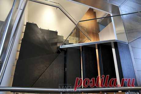 Изготовление лестниц, ограждений, перил Маршаг – Консольная лестница на стекле