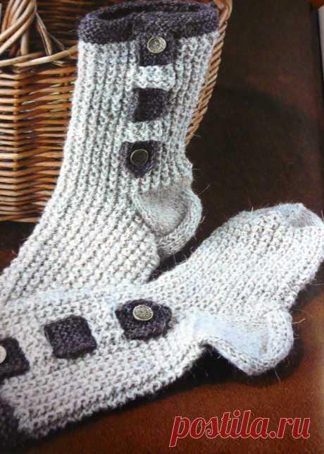 Мужские носки спицами с жемчужным узором