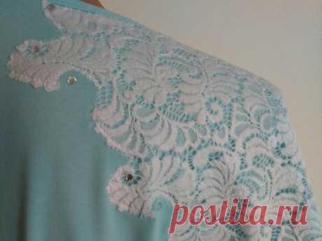 Вариант обновления одежды: декорируем кружевом трикотажную блузку | Журнал Ярмарки Мастеров