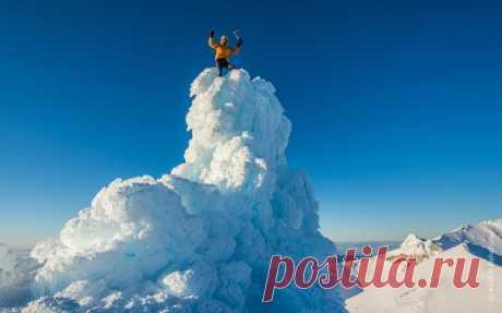 «Верхом на облаке». Стратовулкан Руапеху, Новая Зеландия. Автор фото — Кирилл Полищук: nat-geo.ru/photo/user/118252/