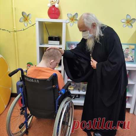 Епископ Пантелеимон в Санкт-Петербурге навестил сегодня подопечных Психоневрологического интерната № 10 и пациентов ковидного отделения госпиталя для ветеранов войн.  #ДелаЦеркви