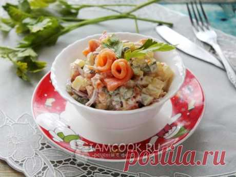 Оливье с малосольной форелью — рецепт с фото Оливье с малосольной форелью получается праздничным и изысканным. Почти традиционный салат на Новый год!