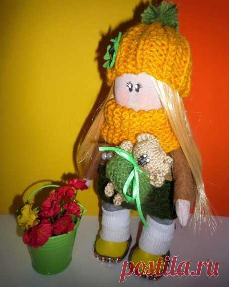 Интерьерная кукла ручной работы Катюша Интерьерная кукла ручной работы Здравствуйте, меня зовут куколка Катюша! Я родилась несколько дней назад, мой рост при рождении составил 24 сантиметра!
