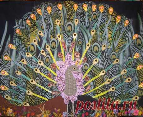 """Картина из лоскутков """"Павлин- символ счастья и богатства""""."""