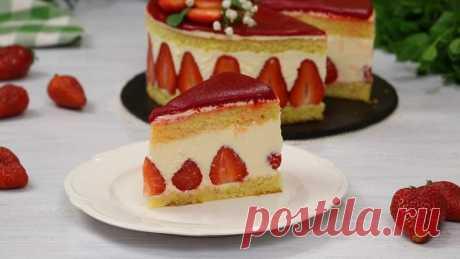Торт «Фрезье» с кремом муслин и медовым марципаном