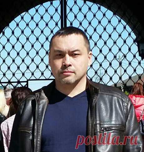 Павел Максутов