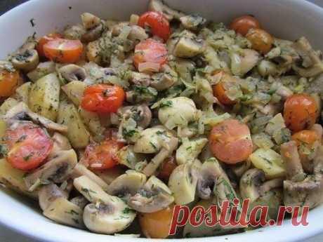 Как приготовить картофель запеченный с грибами и томатами - рецепт, ингредиенты и фотографии