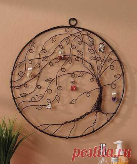 Дерево для украшений. Еще интересные идеи по хранению украшений при клике на картинку.