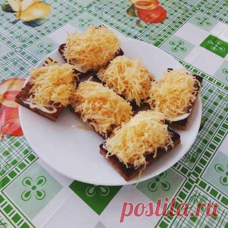 Закусочные бутербродики-гренки с чесноком и сыром Автор рецепта Кулинарный замес - Cookpad