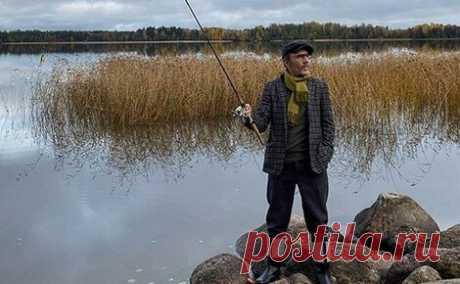 Блоги / Сергей Шнуров: Осень Осень. Как жехорошо! Рыба, утки под прицелом. Шойгу вкадр невошёл, Сним десяток офицеров, Повар, съемочная группа, ФСО вканаве дышит…