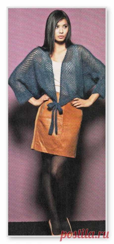 Вязание спицами жакеты. Описание женской модели со схемой и выкройкой. Короткий жакет с рукавами летучая мышь и узором в сетку. Размер: 34/36 - 50/52 Короткий жакет с рукавами летучая мышь и узором в сетку. Размер: 48-52