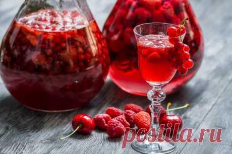 El licor de bayas en las condiciones de casa la receta sobre el aguardiente