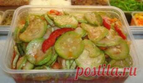 Tasty vegetable marrows in Korean according to the mother's recipe