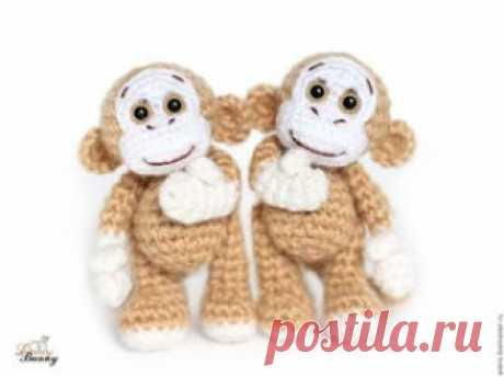 Обезьянка амигуруми. Схемы и описания для вязания игрушек крючком! Бесплатный мастер-класс по вязанию маленькой обезьянки крючком от Анастасии Кирсановой. Рост вязаной обезьяны около 9 см стоя. В процессе вязания след…