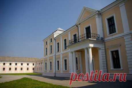 Vishnevets Palace of the 18th Century - Versailles on Ternopil-Вишневецький палац XVIII століття — Версаль на Тернопіллі
