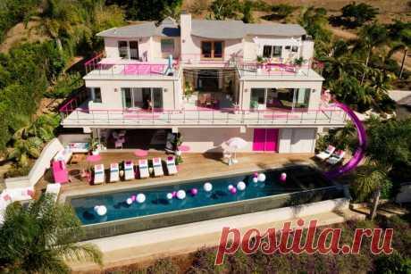🎀 9 очень розовых фото настоящего домика Барби, в котором может пожить каждый Трехэтажная вилла в Малибу за 60 долларов в день.