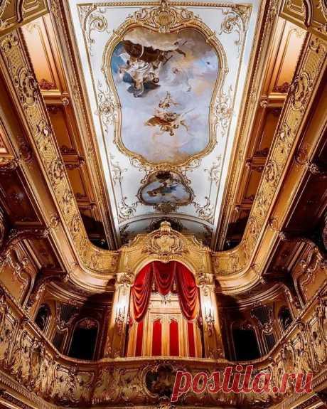 Роскошный домашний театр в Юсуповском дворце