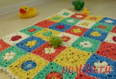 Bath mat from plastic bags | UTILITARIAN NEEDLEWORK
