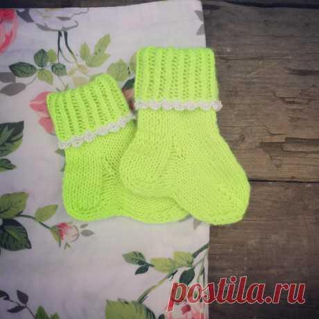 Иро4ка в Instagram: «Похвастаюсь вам в ленту ещё носочками для новорождённого 😊 из нежной и тёплой мериносовой пряжи #детскиеносочки #вяжумалышам #вязатьмодно…» 41 отметок «Нравится», 1 комментариев — Иро4ка (@woman_sk) в Instagram: «Похвастаюсь вам в ленту ещё носочками для новорождённого 😊 из нежной и тёплой мериносовой пряжи…»