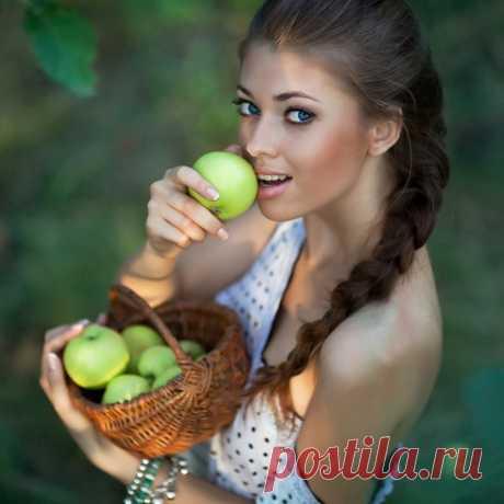 девушка с яблоками фотосессия — Яндекс: нашлось 7млнрезультатов
