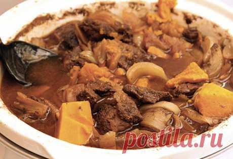 Еврейская кухня: главные мясные блюда 1 Чолнт или Чулнт 2. Клопс 3. Меорав иерушалим 4. Эсик-флейш 5. Мафрум 6. Хелзль 7. Креплах с куриным мясом