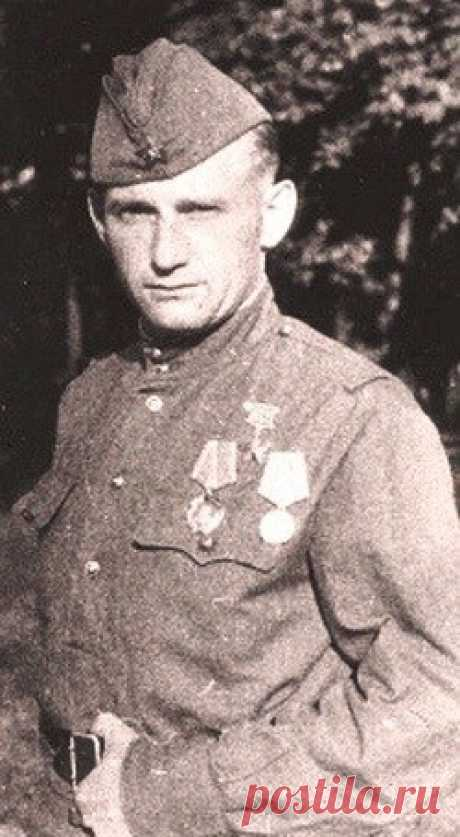 The intelligence agent broke a fascist crossing through Dnieper, having changed clothes in a form of the German colonel \u000a\u000a\u000a\u000a\u000a\u000a\u000a\u000aRobert Aleksandrovich Klein, captain, intelligence agent of guerrilla group of Chapayev. Was born on March 9, 1913 in the village of Krivtsovka of the Kamyshin district of the Volgograd region. German. In 1931 in. M …