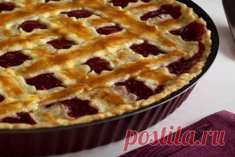 Песочный пирог с черешней - домашний рецепт выпечки